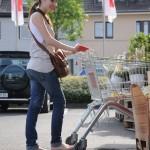 shopping-barefoot